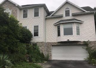 Foreclosed Home in Reading 19606 SYCAMORE DR - Property ID: 4305512736