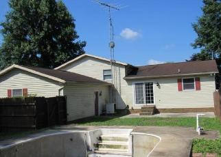 Foreclosed Home in Spring Grove 17362 STRAW ACRES RD - Property ID: 4305538575
