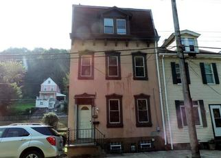 Foreclosed Home in Pittsburgh 15212 WOODS RUN AVE - Property ID: 4305626156