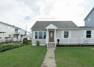 Foreclosed Home in Lindenhurst 11757 VENETIAN BLVD - Property ID: 4305648953