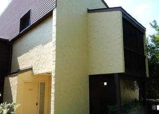 Foreclosed Home in Akron 44313 HAMPTON RIDGE DR - Property ID: 4305676533