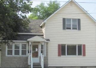 Foreclosed Home in Manistee 49660 VINE ST - Property ID: 4305718132
