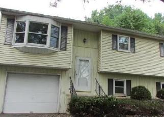 Foreclosed Home in Etters 17319 BLACK WALNUT DR - Property ID: 4305758882