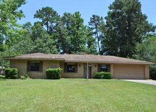 Foreclosed Home in Jasper 75951 PARKER ST - Property ID: 4305905597