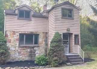Foreclosed Home in Beaver Falls 15010 WALLACE RUN RD - Property ID: 4305958139