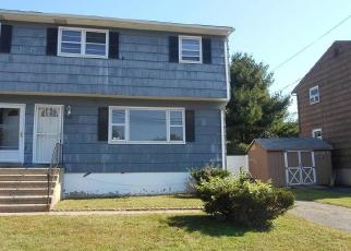 Foreclosed Home in Stratford 06615 RYAN AVE - Property ID: 4306182840