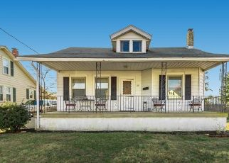 Foreclosed Home in Riverside 08075 N CHESTER AVE - Property ID: 4306323869