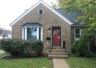 Foreclosed Home in Milwaukee 53228 S 84TH ST - Property ID: 4306325613