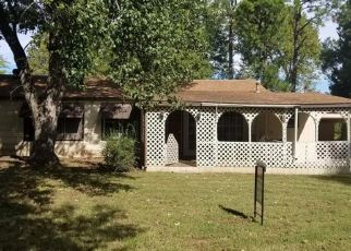 Foreclosed Home in Mustang 73064 E JUNIPER LN - Property ID: 4306500360