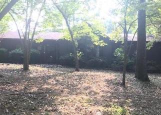 Foreclosed Home in Harriman 37748 RENFRO RD - Property ID: 4306562553