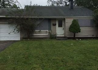 Foreclosed Home in Medford 11763 FALCON AVE - Property ID: 4306646649
