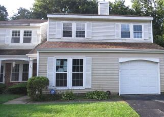 Foreclosed Home in Middle Island 11953 IVY MEADOW CT - Property ID: 4306705779