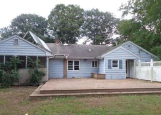 Foreclosed Home in Fairfield 06825 HIGH RIDGE RD - Property ID: 4306744311