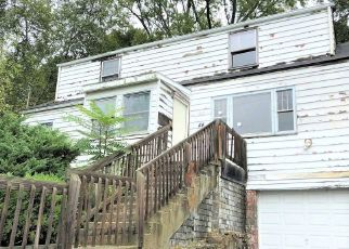 Foreclosed Home in Poughkeepsie 12603 LONGVIEW AVE - Property ID: 4306838479