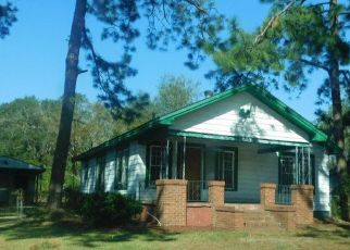 Foreclosed Home in Albany 31705 E BROAD AVE - Property ID: 4306906812