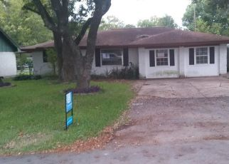 Foreclosed Home in Pearland 77581 ISLA DR - Property ID: 4307070605