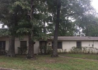 Foreclosed Home in Tyler 75701 BRENTWOOD DR - Property ID: 4307072350