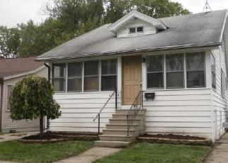 Foreclosed Home in Saint Clair Shores 48082 ELMIRA ST - Property ID: 4307114399