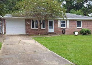 Foreclosed Home in Fort Walton Beach 32548 MARTISA RD NW - Property ID: 4307178791