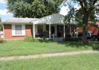 Foreclosed Home in Louisville 40214 DANNY CT - Property ID: 4307228722