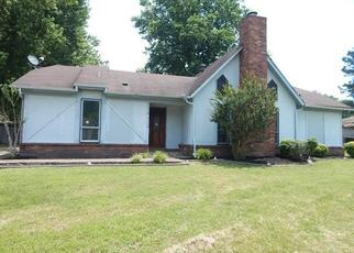Foreclosed Home in Memphis 38135 ELMHILL DR - Property ID: 4307301867