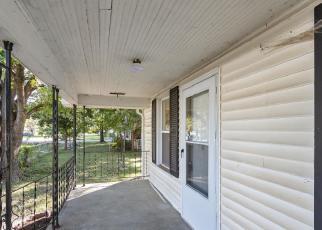 Foreclosed Home in Centralia 62801 S LINCOLN BLVD - Property ID: 4307397781