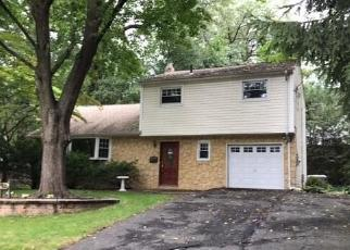 Foreclosed Home in Township Of Washington 07676 COLONIAL BLVD - Property ID: 4307508579