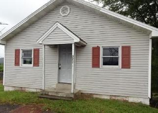 Foreclosed Home in Birdsboro 19508 PERKIOMEN AVE - Property ID: 4307551497