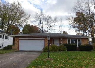 Foreclosed Home in Olmsted Falls 44138 REDWOOD DR - Property ID: 4307554568