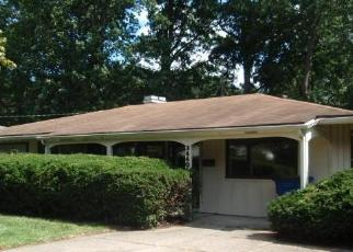 Foreclosed Home in Toledo 43606 W LINCOLNSHIRE BLVD - Property ID: 4307599685
