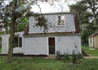 Foreclosed Home in Lombard 60148 W HARDING RD - Property ID: 4307685522