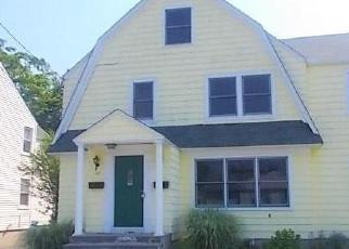 Foreclosed Home in Bridgeport 06605 COURTLAND AVE - Property ID: 4307910189