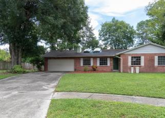 Foreclosed Home in Tampa 33615 ROSEWOOD CT - Property ID: 4307989470