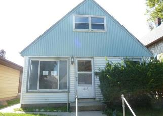 Foreclosed Home in Cudahy 53110 E SQUIRE AVE - Property ID: 4308107284