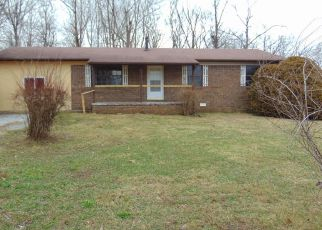 Foreclosed Home in Crossville 38571 LELAND PRYOR RD - Property ID: 4308175166