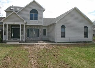 Foreclosed Home in Rochester 14626 CEDAR CREEK TRL - Property ID: 4308247890