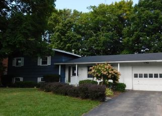 Foreclosed Home in Camillus 13031 FORREST WAY - Property ID: 4308252704