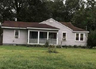 Foreclosed Home in Paducah 42003 OAKS RD - Property ID: 4308333276