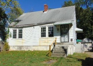 Foreclosed Home in Louisville 40215 PEACHTREE AVE - Property ID: 4308336346