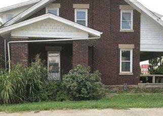 Foreclosed Home in Winchester 40391 E BROADWAY ST - Property ID: 4308344676