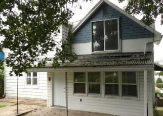 Foreclosed Home in York 17404 W POPLAR TER - Property ID: 4308729654