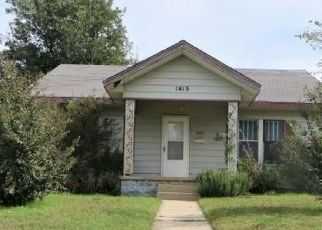 Foreclosed Home in Chickasha 73018 S 14TH ST - Property ID: 4308784843