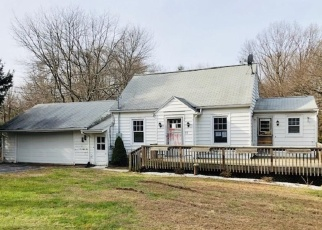 Foreclosed Home in Prospect 06712 STRAITSVILLE RD - Property ID: 4308852275