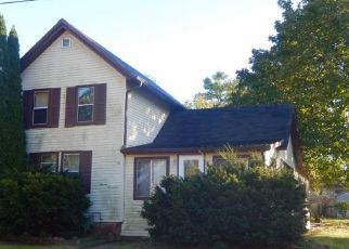 Foreclosed Home in Janesville 53546 GRAND AVE - Property ID: 4308886892