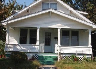 Foreclosed Home in Parkersburg 26101 LEE ST - Property ID: 4308919736