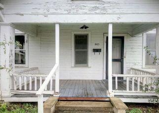 Foreclosed Home in Victoria 77901 E OAK ST - Property ID: 4308954774