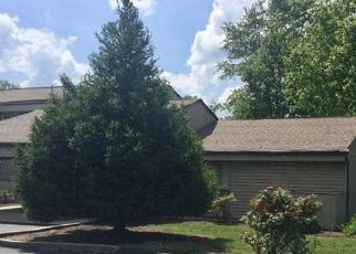 Foreclosed Home in Crossville 38558 LAKESHORE LN - Property ID: 4308965718