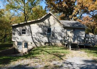 Foreclosed Home in Excelsior Springs 64024 SAINT LOUIS AVE - Property ID: 4309048944