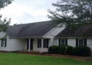 Foreclosed Home in Salvisa 40372 CUMMINS FERRY RD - Property ID: 4309154481