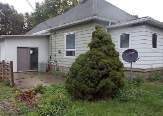 Foreclosed Home in Terre Haute 47802 HELEN AVE - Property ID: 4309166301